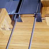 Faltwerktreppe, Detail Podesthalterung