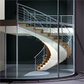 Segmentbogenfaltwerktreppe auf Betonunterkonstruktion